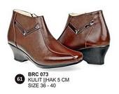 Sepatu Boots Kulit Wanita BRC 073
