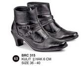 Sepatu Boots Kulit Wanita BRC 315