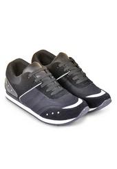 Sepatu Olahraga Pria AYC 850