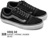 Sepatu Sneakers Pria VDQ 10