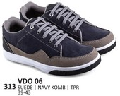 Sepatu Sneakers Pria VDO 06