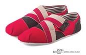 Sepatu Sneakers Pria VST 01
