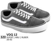 Sepatu Sneakers Pria VDQ 12