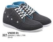 Sepatu Sneakers Pria VNDR 01