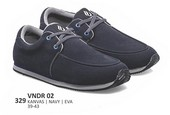 Sepatu Sneakers Pria VNDR 02