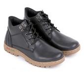 sepatu boot kulit E 156