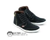 Sepatu Boots Pria GF 7009