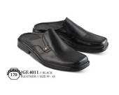 Sepatu Bustong Pria GF 4011
