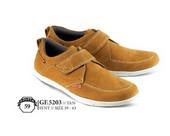 Sepatu Casual Pria GF 5203