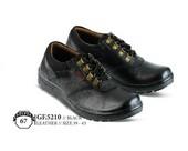 Sepatu Casual Pria GF 5210