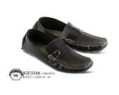 Sepatu Casual Pria GF 5316