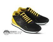 Sepatu Olahraga Pria GF 8215