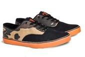 Sepatu Sneakers Canvas Pria GS 6009