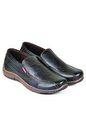 Sepatu Casual Pria HAT 701