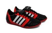 Sepatu Olahraga Pria SP 528.17