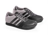 Sepatu Olahraga Wanita SP 520.08