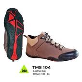 Sepatu Adventure Pria TMS 104